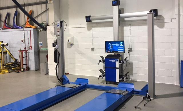 3D Alignment System and 4 post vechile lift in UCLAN Facility