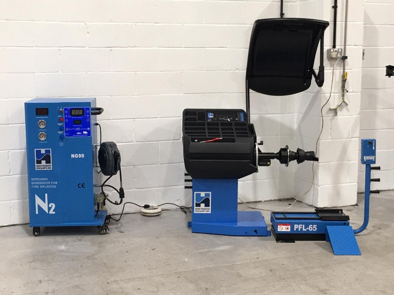 Wheel Balancer and Nitro Inflation machines were also included in this premium garage equipment line up