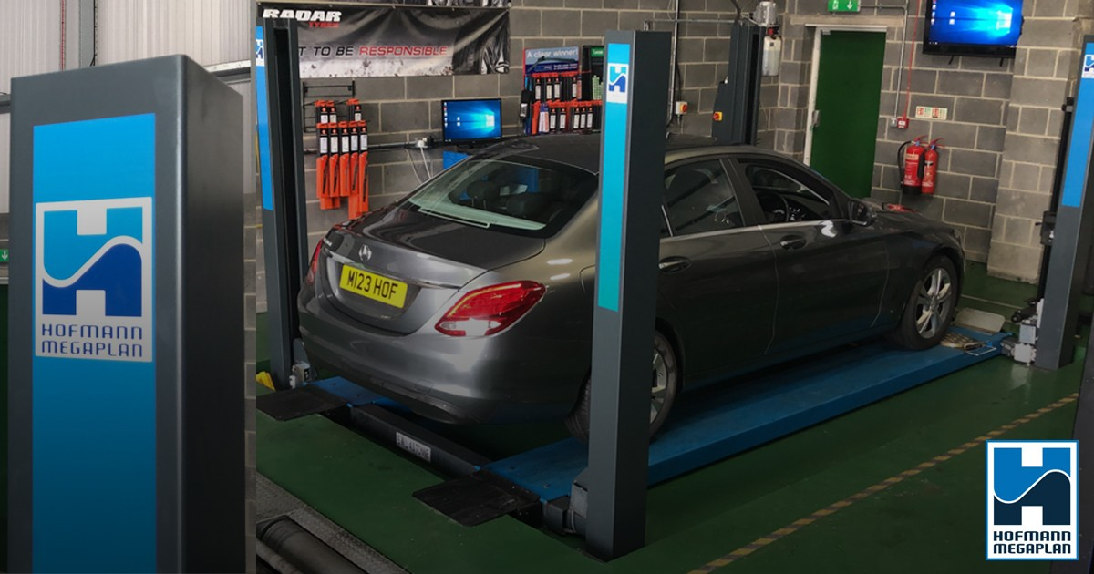 MoT service lift installed at Fusion Autos