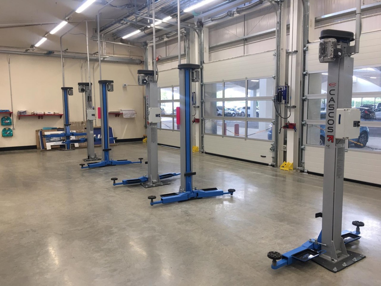 We supplied and installed two brand new 3.2 Tonne Two Post Lifts and one 4.0 Tonne Two Post Lift at Stevenage.