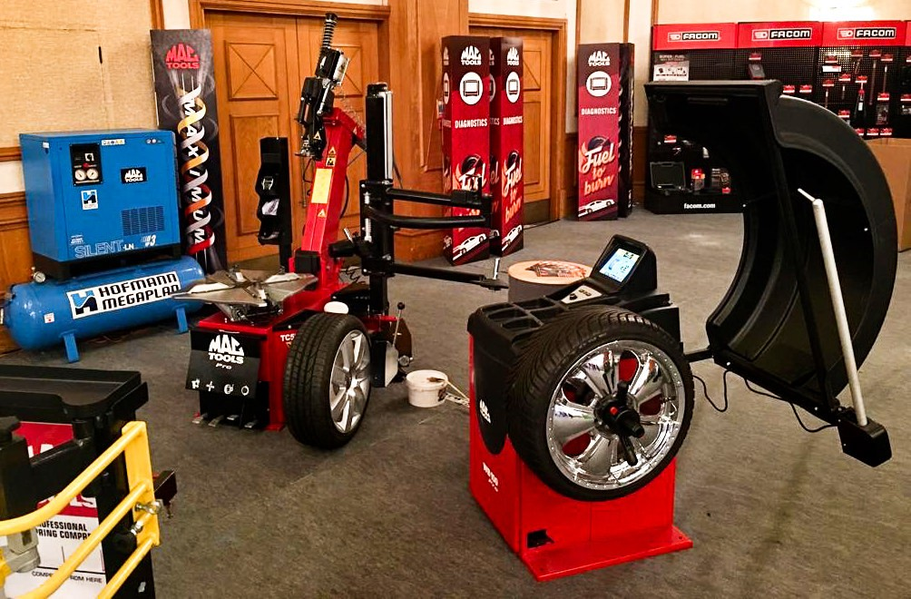 MAC TOOLS TYRE FITTING EQUIPMENT LINE UP READY FOR DEMONSTRATION AT THE MAC TOOLS SHOW