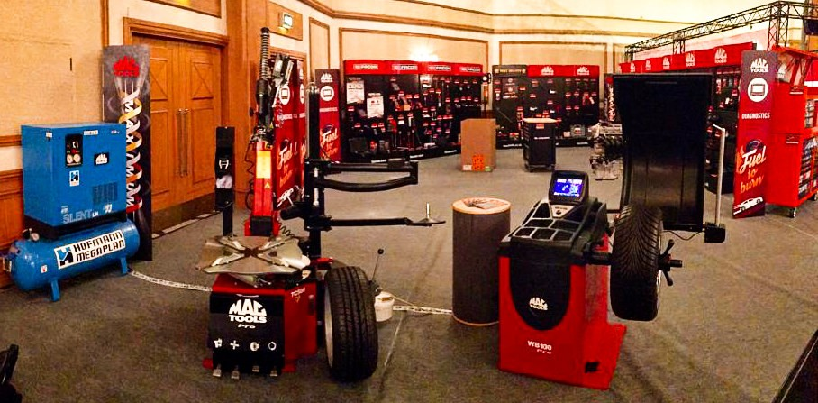 THE MAC TOOLS TYRE EQUIPMENT LINE UP AT THE MAC TOOLS SHOW IN BIRMINGHAM LAST WEEKEND