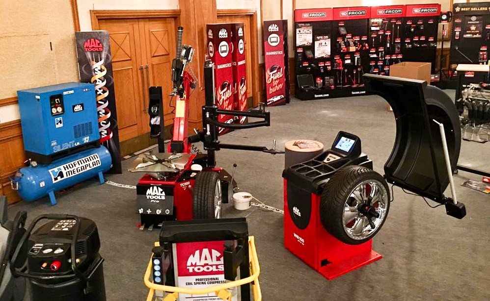 MAC TOOLS TYRE EQUIPMENT LINE UP AT THE MAC TOOLS SHOW IN BIRMINGHAM